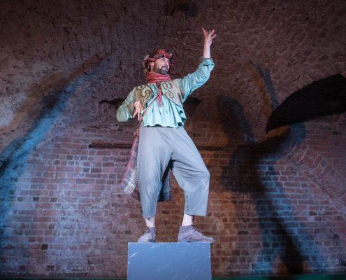 Riccardo De Leo , Gianluca Guastella, Onda Larsen Teatro